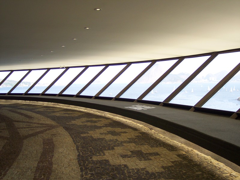 Interior del MAC Niterói