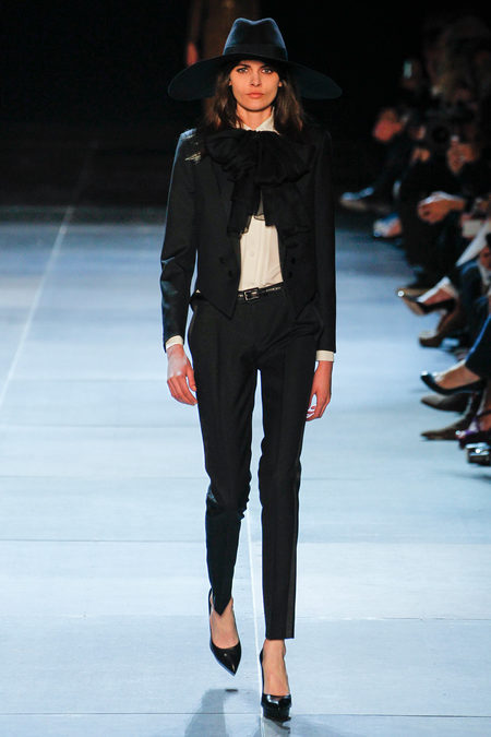 traje saint laurent