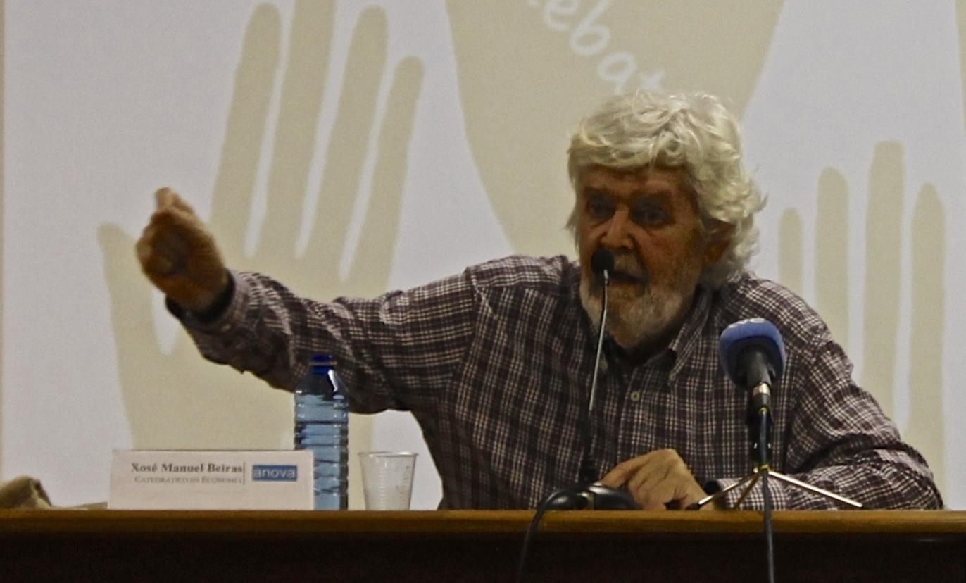 X. M. Beiras no auditorio da Facultade de Ciencias Políticas e da Administración/ Andrea Espiñeira