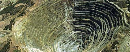 O sucio negocio da minería a ceo aberto