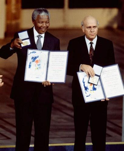 Mandela e De Klerk, recollendo xuntos o Nobel da Paz de 1993David Levenson (Getty Images)