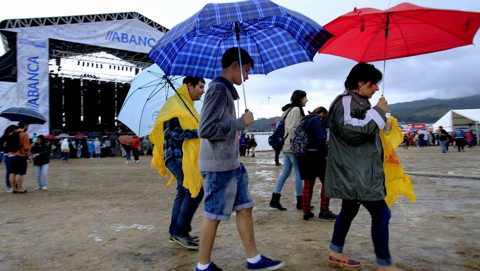 La lluvia, ácida protagonista (Foto: Óscar Vázquez / La Voz).