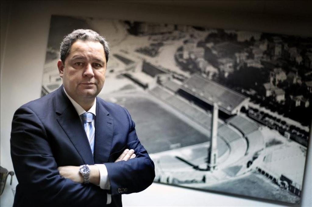 El trabajo se le acumula a TIno Fernández como presidente. Sacada de noticias.sumadiario.com