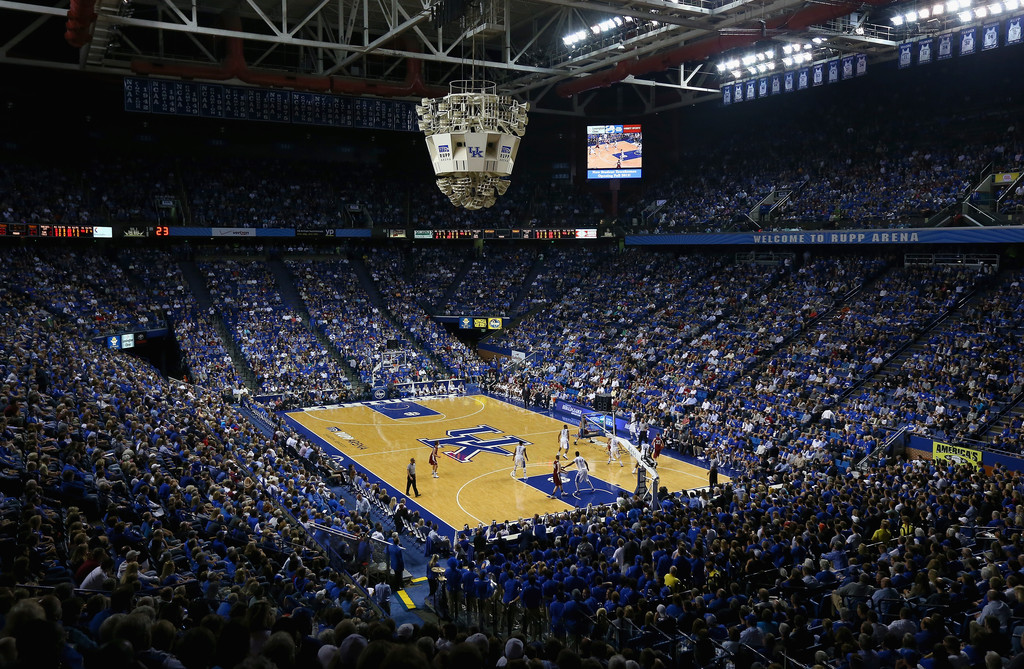 El Rupp Arena de la University of Kentucky, lleno para un partido amistoso | Fuente: Andy Lions / Getty Images