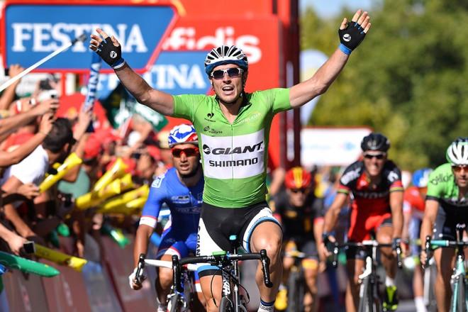 Degenkolb vuelve a su carrera fetiche (9 victorias parciales) para redondear un año en el que ya ha ganado la Milan-San Remo y la Paris-Roubaix - @El Periódico
