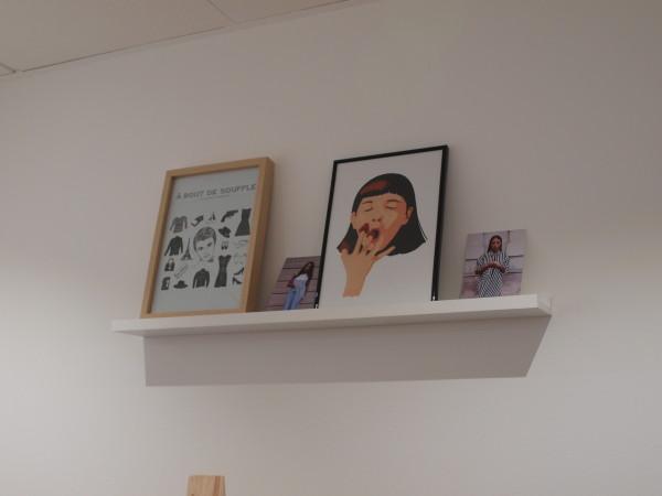 Ilustraciones decorativas en la tienda, debidas al gusto cinéfilo de André   Sara P. Seijo