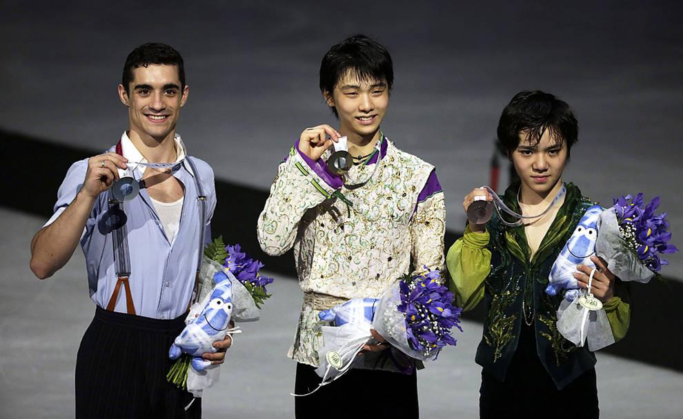 Javier Fernández, Yuzuru Hanyu y Shoma Uno en el podio de la final del Grand Prix 2015 | ©Efe