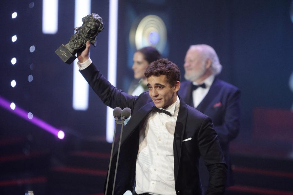 Miguel Herrán recogiendo el Goya a mejor actor revelación |©ecartelera.com