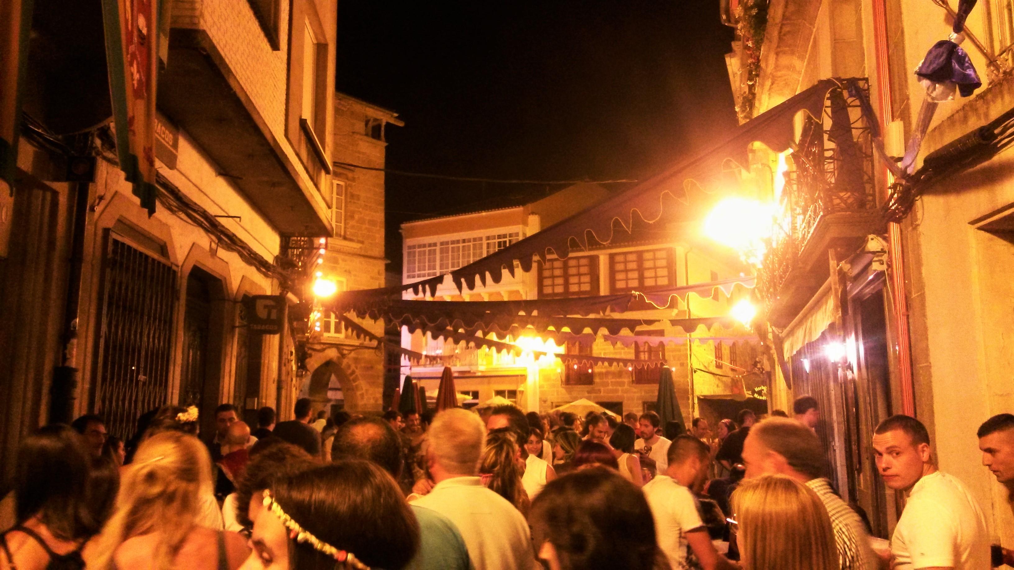 Miles de personas disfrutaron de la Feria Medieval de Noia, la fiesta más popular de la villa marinera |©Paula Martínez Graña