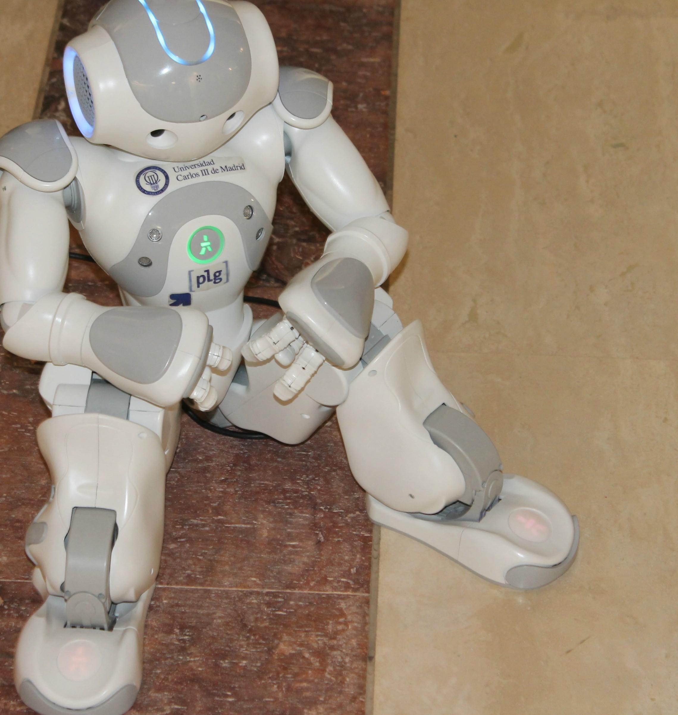 """A innovación é unha das claves do Spin, como amosa este Robot de """"NaoTherapist"""" que axuda a realizar rehabilitacións ós nenos"""
