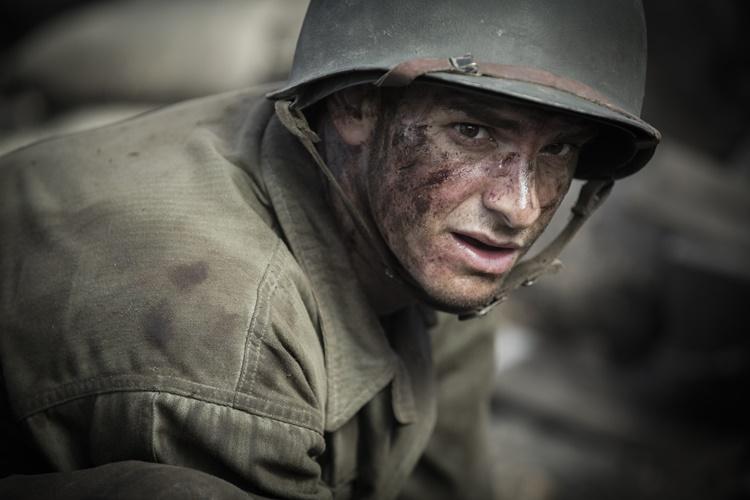 """Andrew Garfield en """"Hasta el último hombre"""" /©fotogramas.es"""
