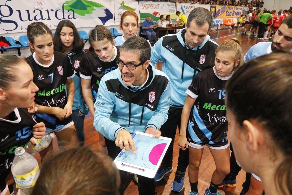 Prades, dirigiendo un partido esta temporada | ©Atlántico Diario.