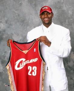 LeBron James o día no que foi elixido no draft