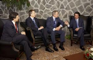 """""""D'Artagnan"""" Bush e os seus """"tres mosqueteiros"""" no Cumio das Azores"""