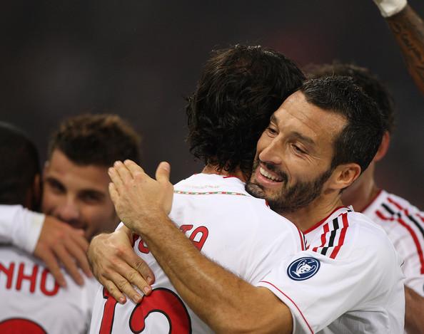 Nesta ou Zambrotta xa non están. O fútbol de Milan pasa por outros.