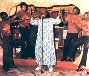 A Orchestra durante unha das súas actuacións no Baobab Club