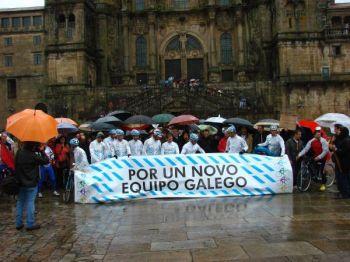 O equipo galego nunha das protestas no Obradoiro