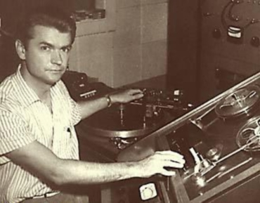 Sam Phillips no seu estudo de gravación de Sun Records. Foto: sunrecords.com