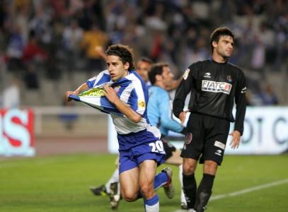 Coro, tras marcar el gol que salvaba a su equipo del descenso | Fuente: elmundo.es