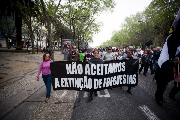 As manifestacións contra a redución das freguesías, constantes a finais do 2012Fonte: publico.pt / Autor: Miguel Manso