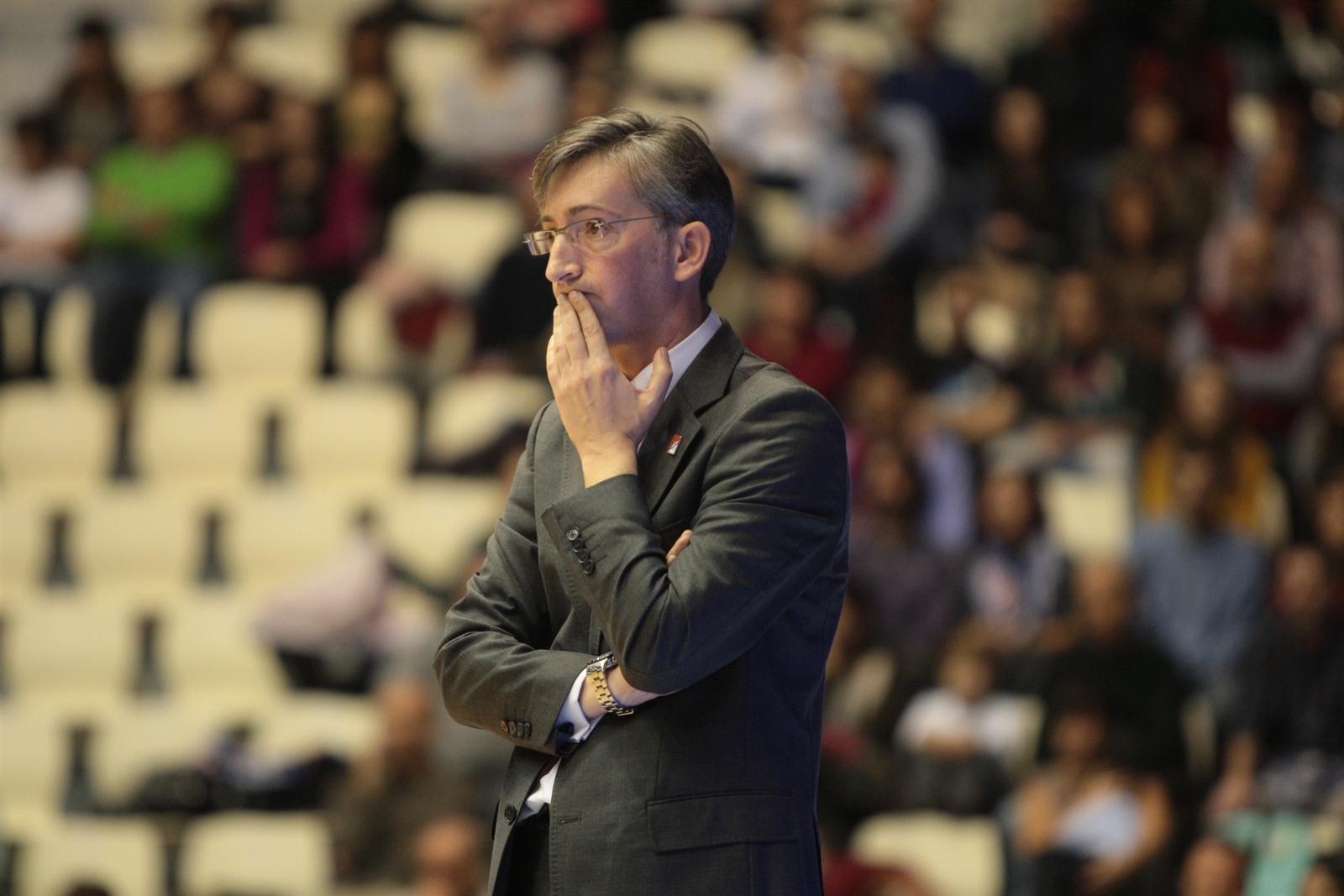 Moncho Fernández terá que realizar novos axustes para que o equipo non pase apuros   ©Deportes Online