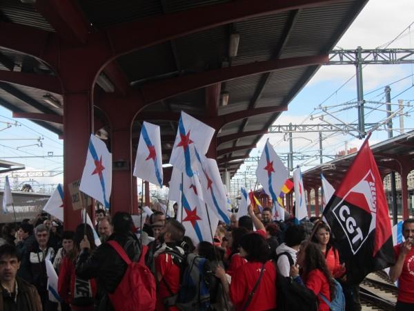 O escuadrón galego na estación de Chamartín