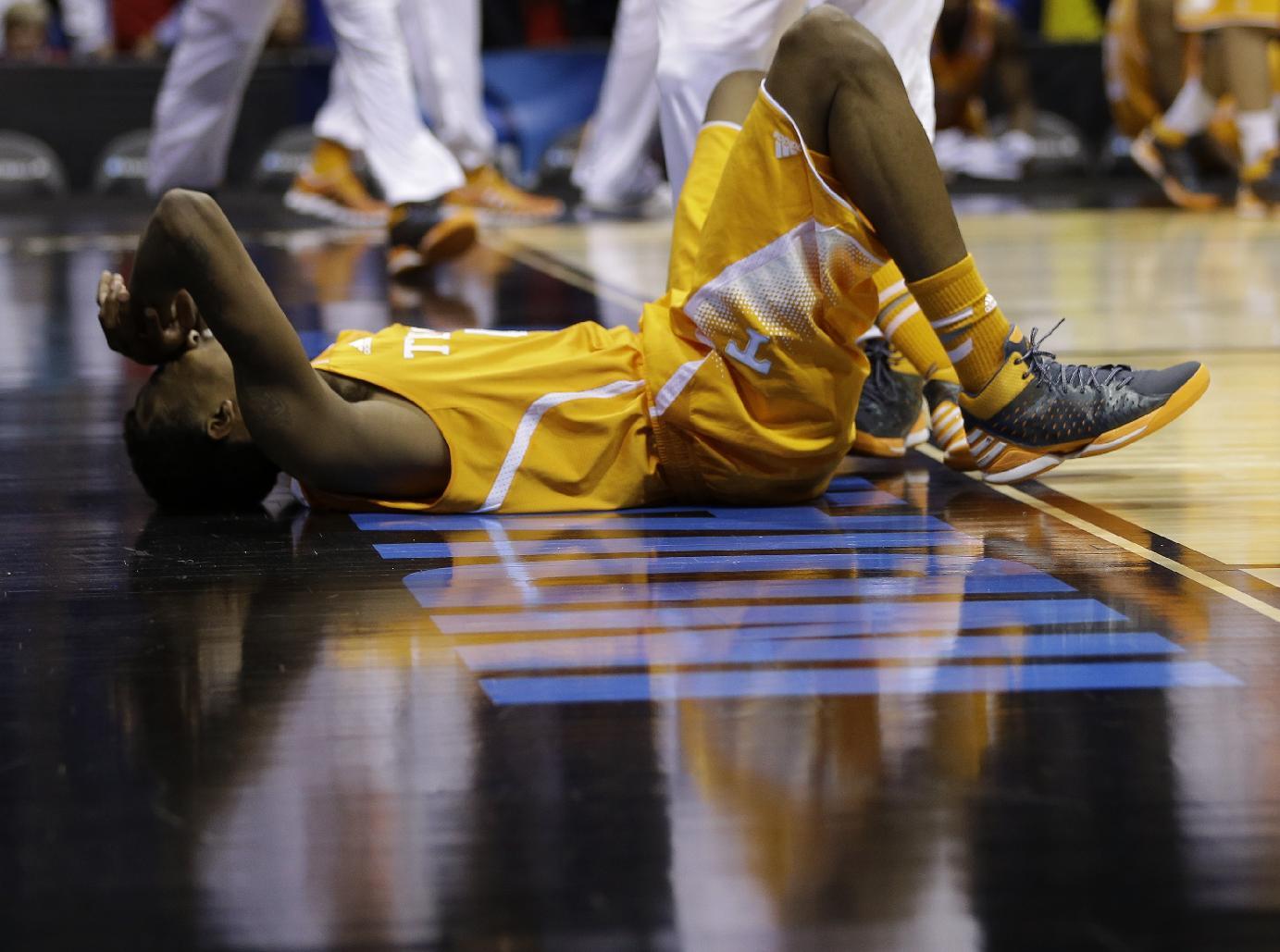 Caer está permitido, levantarse es obligatorio. | © David J. Phillip, AP Photo.