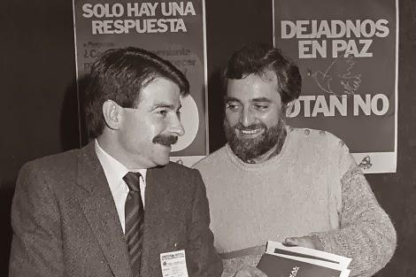 Gerardo Iglesisas e Julio Anguita(Fonte: Agencia EFE)