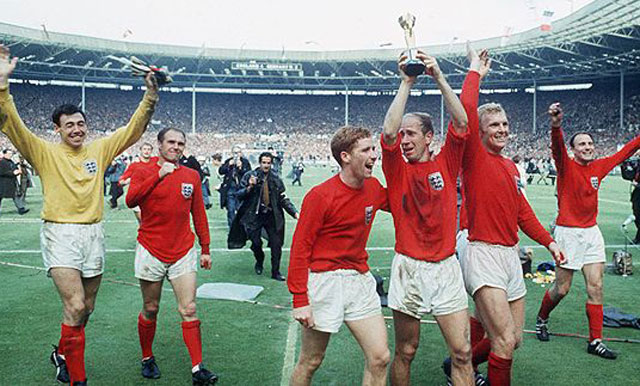 Inglaterra conquistó su primer Mundial en casa, en 1970, pero por poco casi no puede levantar la copa - ©Taringa