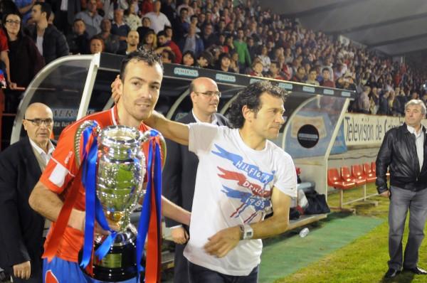 Yebra y Luisito con la Copa Federación. Foto: CD Ourense