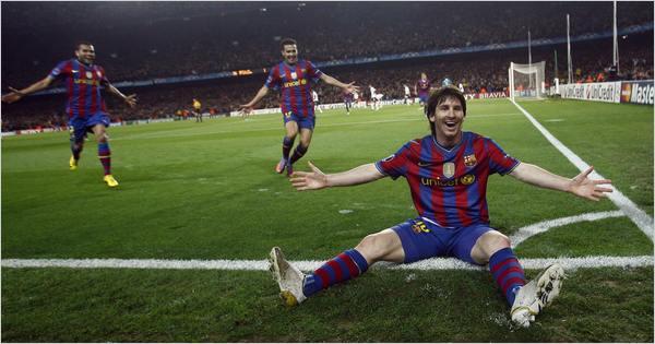 Leo Messi con el Camp Nou a sus pies / Foto: FC Barcelona