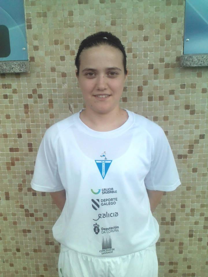 Pilar ten 22 anos, e como todas as súas compañeiras, ten que compatibilizar estudos ou traballo co fútbol - ©SD Villestro
