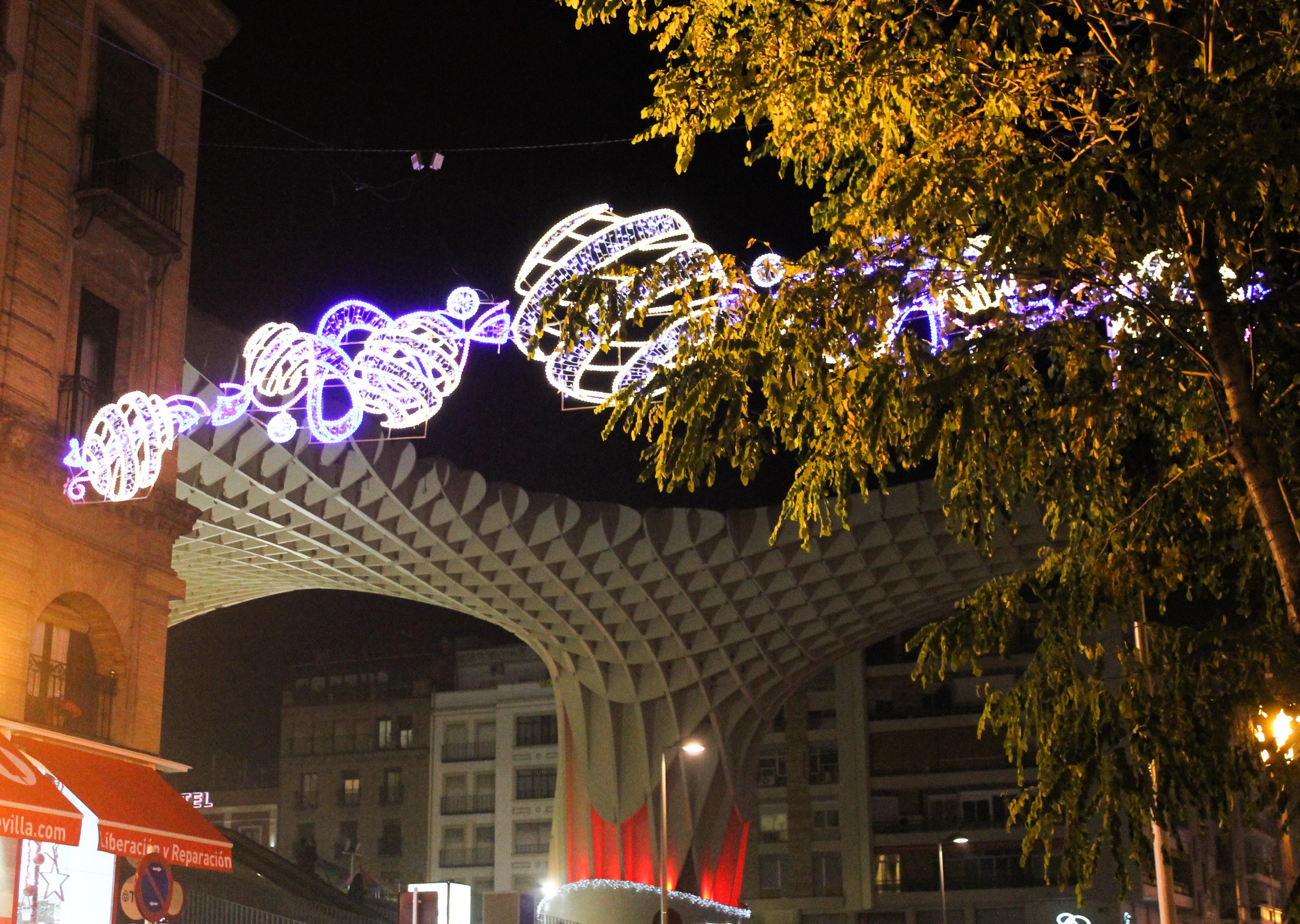 Las Setas, junto a la zona más céntrica de Sevilla, conocida como La Campana | © Carolina Neira Feáns