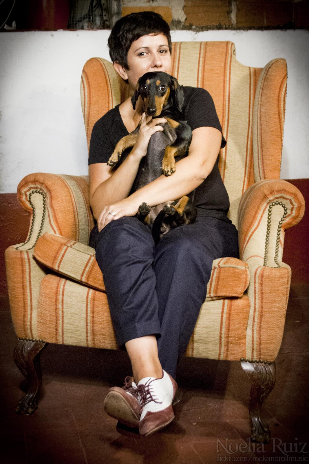 Olga Ruiz en una sesión de fotos promocional de El Extrarradio | Fuente: Noelia Ruiz