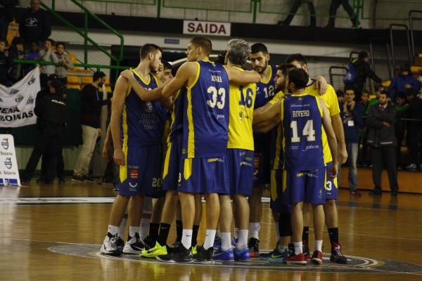 Club Ouense Baloncesto, un equipo unido / Foto: Iván Dacal © Revista Rebumbio