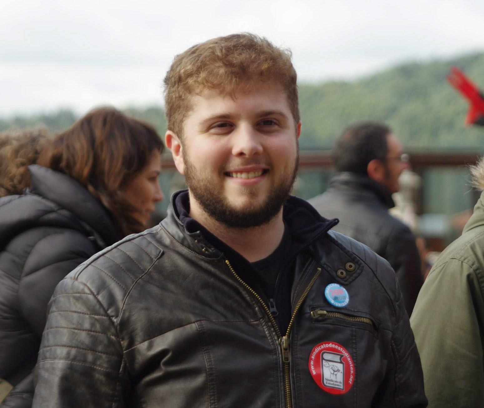 Pablo Álvarez Fernández, miembro y portavoz de la ejecutiva gallega del  Sindicato de Estudiantes, siempre al pie del cañón por las rúas compostelanas |  © Facebook
