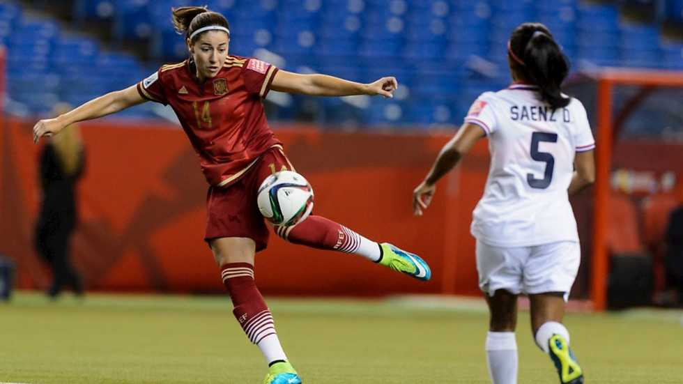 Vicky Losada, la primera española en marcar un gol en un Mundial, remata a puerta ante Costa Rica - @RTVE