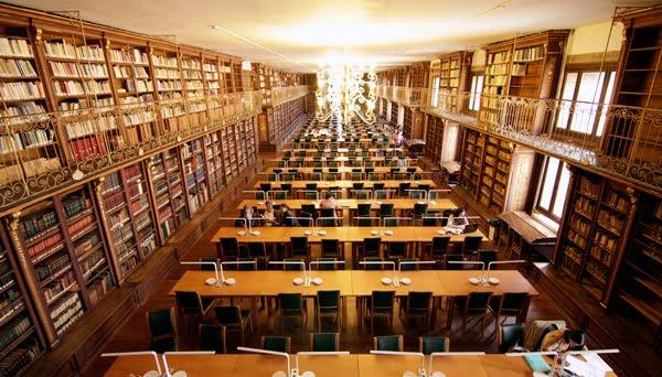 Biblioteca da Facultade de Historia |Ⓒ Pinterest