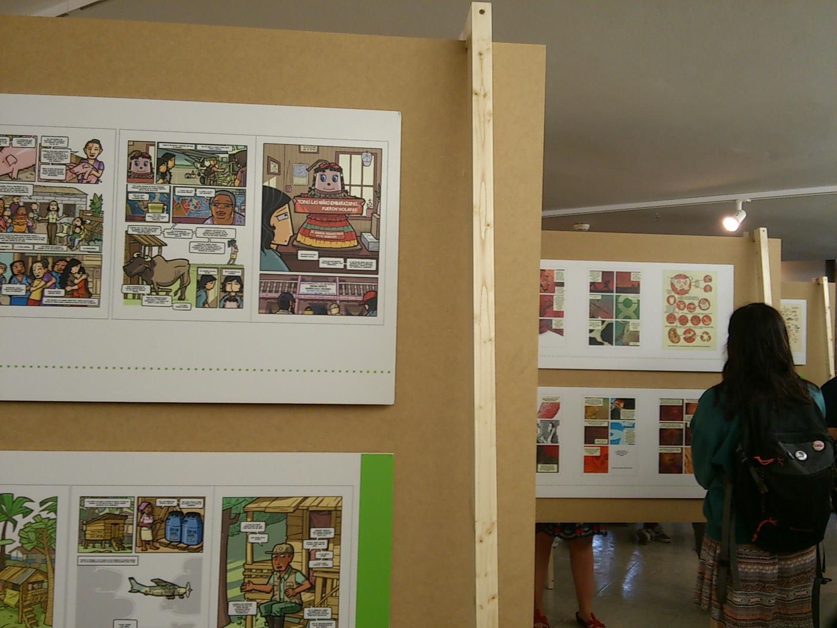 Exposición Viñetas de vida en la Biblioteca CampUSCulturae. Natalia