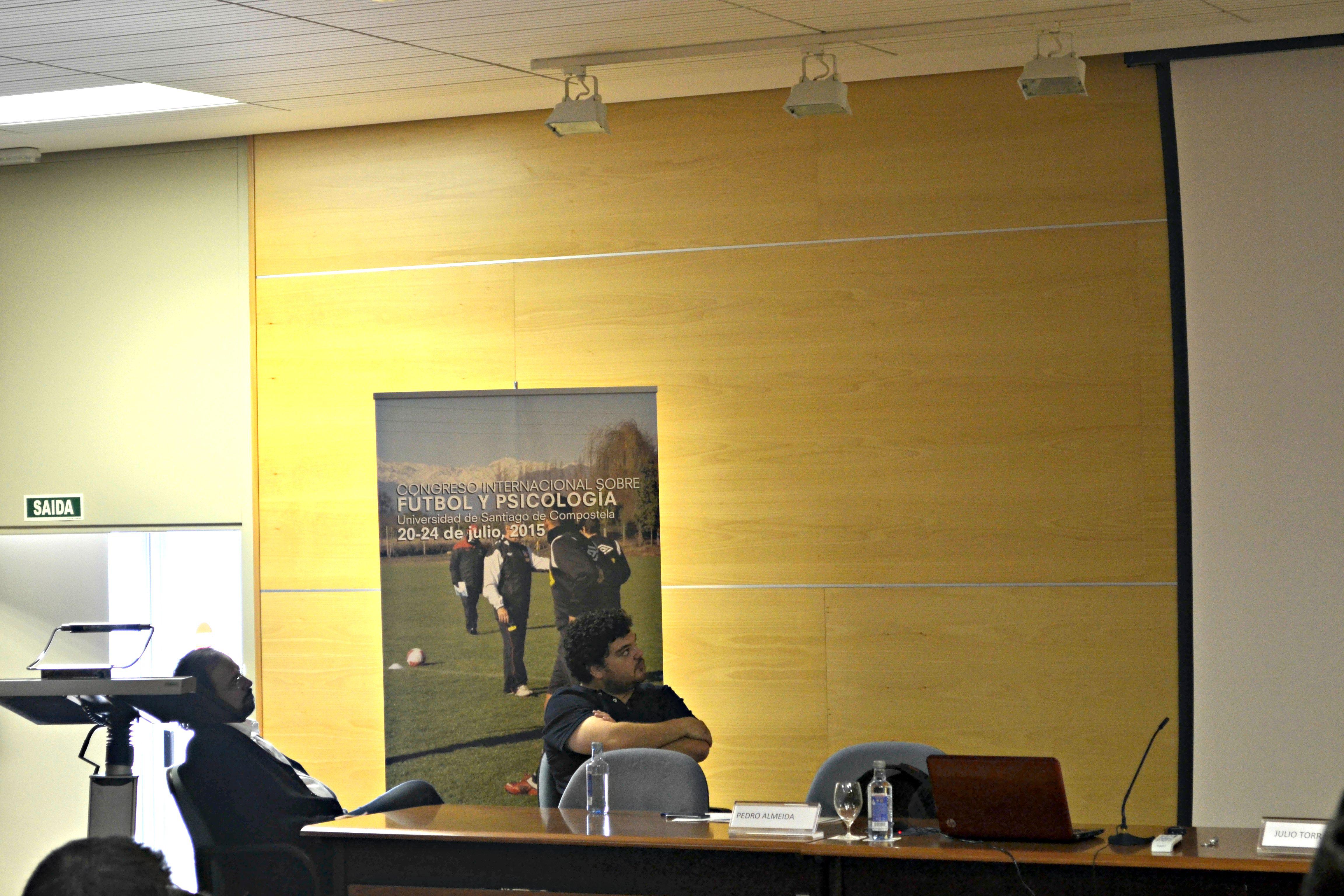 Pedro Almeida y Julio Torrado durante el Congreso Internacional sobre Fútbol y Psicología | ©Andrea Oca