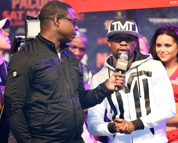 Floyd Mayweather Jr. durante una conferencia de prensa