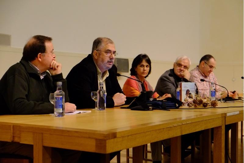 Luis Álvarez Pousa, Xulio Álvarez Fariñas, Xulia Alonso, Víctor Freixanes e Antón Losada durante la conferencia sobre la Operación Nécora | ©Usc.es
