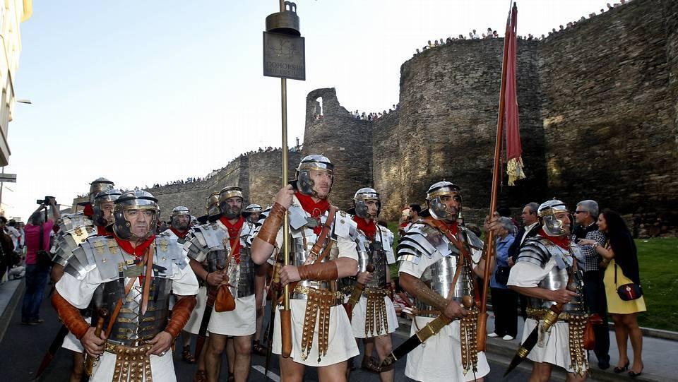Legiones romanas en el desfile de la Ronda da Muralla, en 2014 © Alberto López