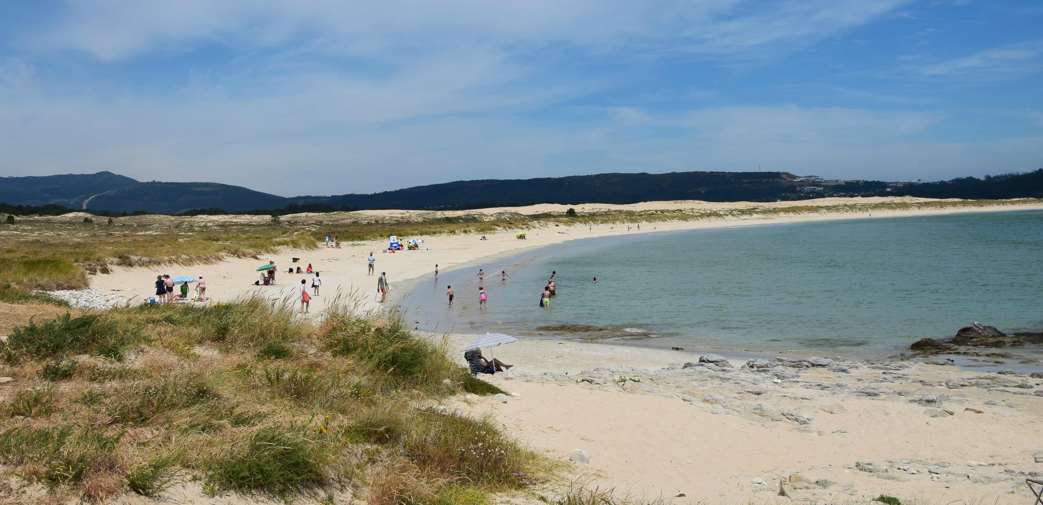 Praia Ladeira, outra opción ideal para disfrutar da praia en Corrubedo