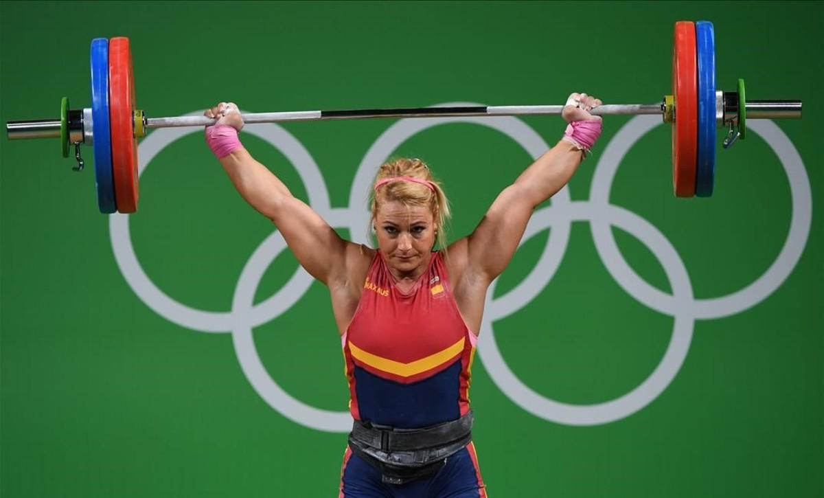 Lydia Valentín celebró por fin su ansiado metal olímpico | ©Goh Chai Hin/AFP