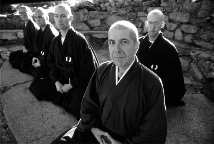 "Escena del documental sobre su returo espiritual ""Leonard Cohen: Printemps 96"""